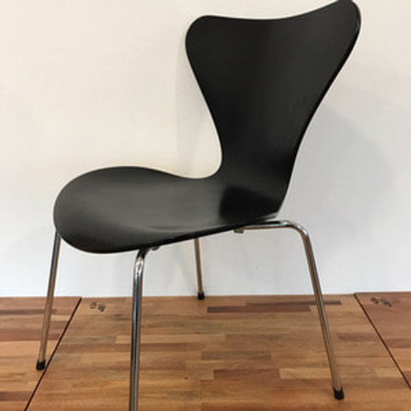 {Fritz hansen} Series 7 by arne jacobsen -  mat black - 1997
