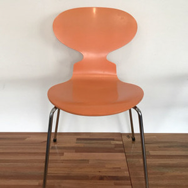 {Fritz hansen} Ant chair by arne jacobsen -  peach - 1997